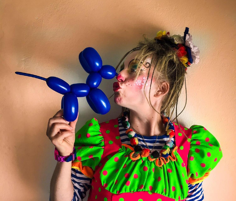 Kinderschminken Zauberer Kindergeburtstag Clown mieten Berlin