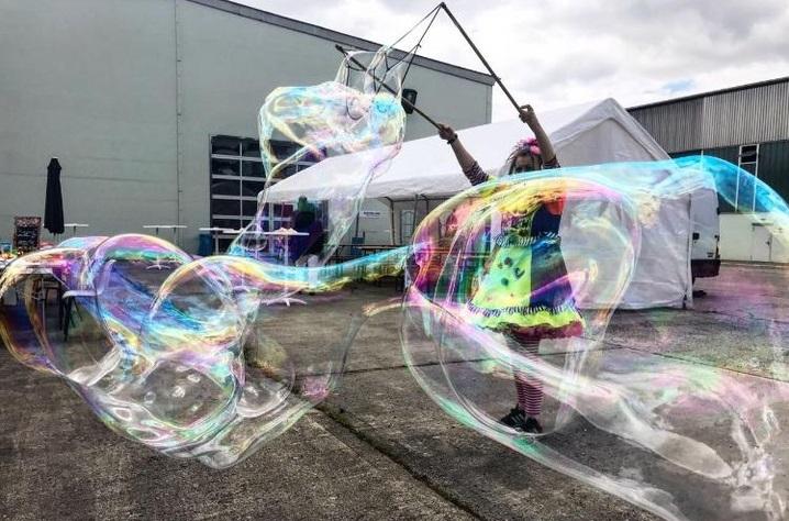 Riesenseifenblasenshow Riesenseifenblasen